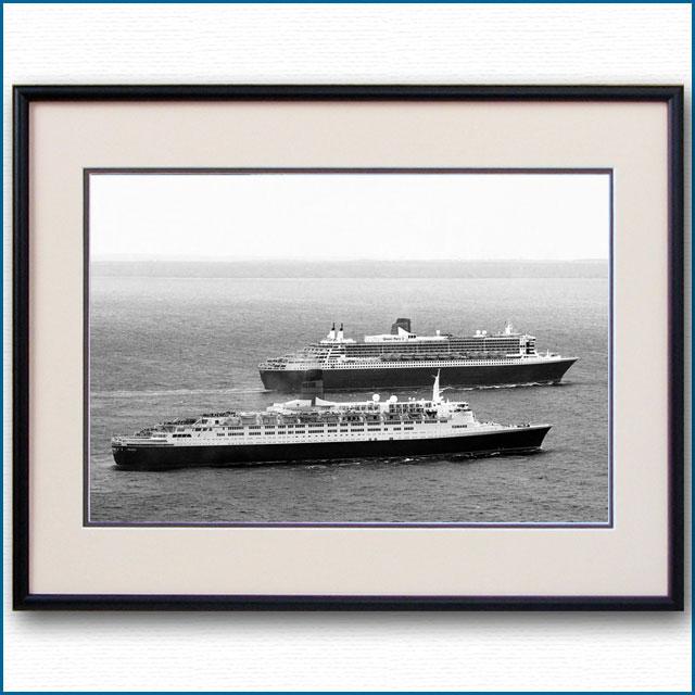 2008年 客船クイーンエリザベス2とクイーンメリー2の写真 2484LL