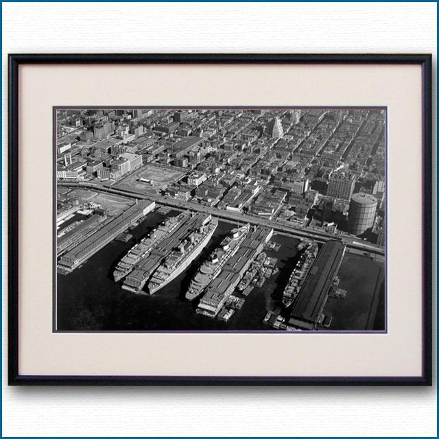1940年 客船ノルマンディーとクイーンメリー、クイーンエリザベス ニューヨーク停泊の空撮写真 3229LL