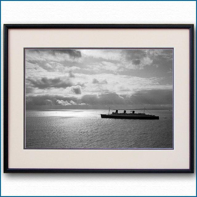 1967年 客船クイーンメリー・サウザンプトン沖の写真 3248LL