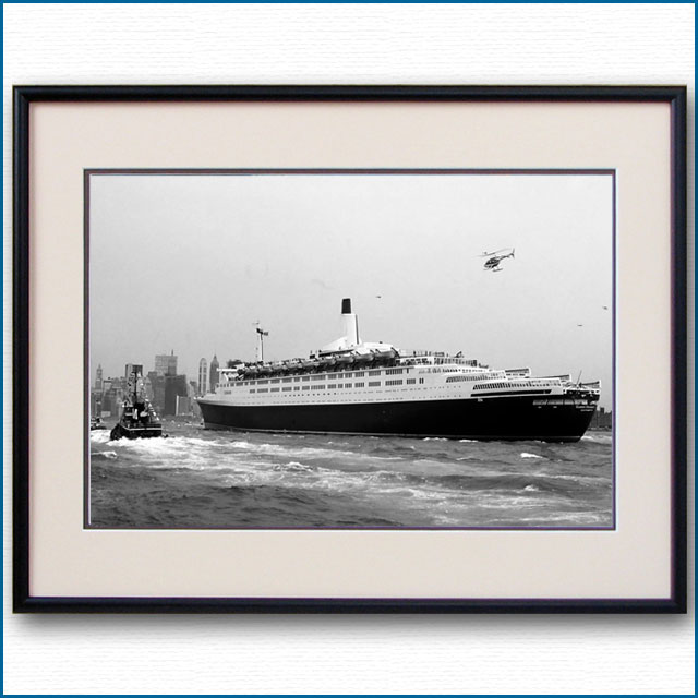1969年 客船クイーンエリザベス2・ニューヨーク初入港の写真 3256LL