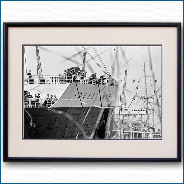 1967年 客船クイーンメリー・サウザンプトン出航の写真 3266LL