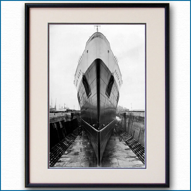 1936年 客船クイーンメリー・船首の写真 3274LL