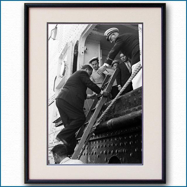 1950年 客船リベルテ・ニューヨーク港外パイロット乗船の写真 3295LL