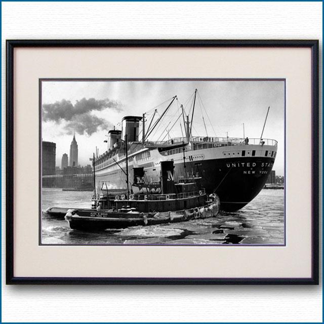 1950年代 客船ユナイテッドステーツとタグボートの写真 3300LL