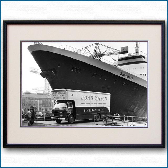 1969年 客船クイーンエリザベス2の写真 3329LL