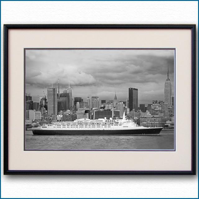 2007年 客船クイーンエリザベス2・マンハッタンの写真 3330LL
